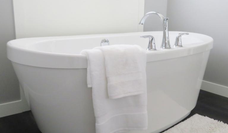 Comment installer robinet salle de bain ?